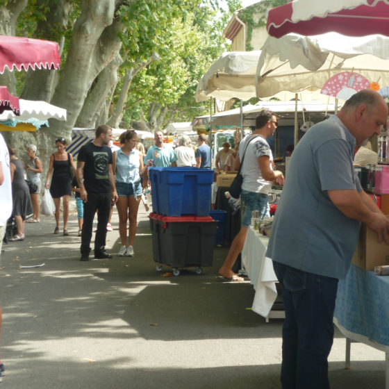 Pernes Saturday market